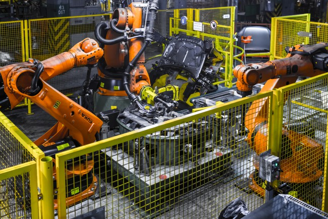 role of robotics in manufacturing